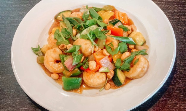 Mainland China Offers Yummy Chinese Food With Indian Flair In Contemporary Setting