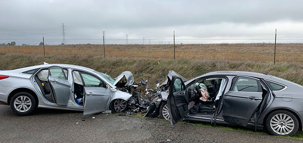 1 Killed & 5 Injured In Tragic Head-On Collision