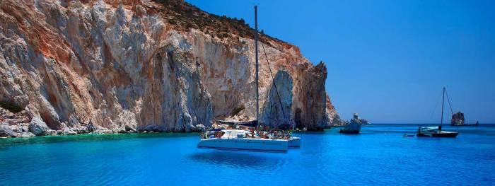 Cyclades Sailing, Finikas Marina, Syros