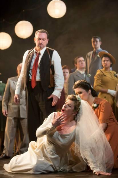 1 - Lucia di Lammermoor Buxton Opera Festival Stephen Unwin Ella Marchment
