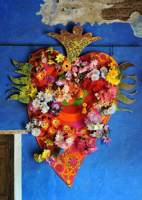 Blumen Herz Arrangement | 7 STEPS: Die perfekte Mexikanische Dekoration