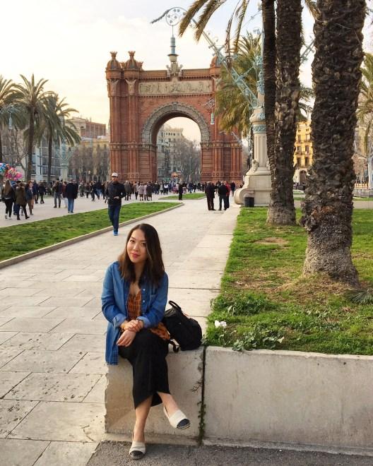 Travel blogger emma