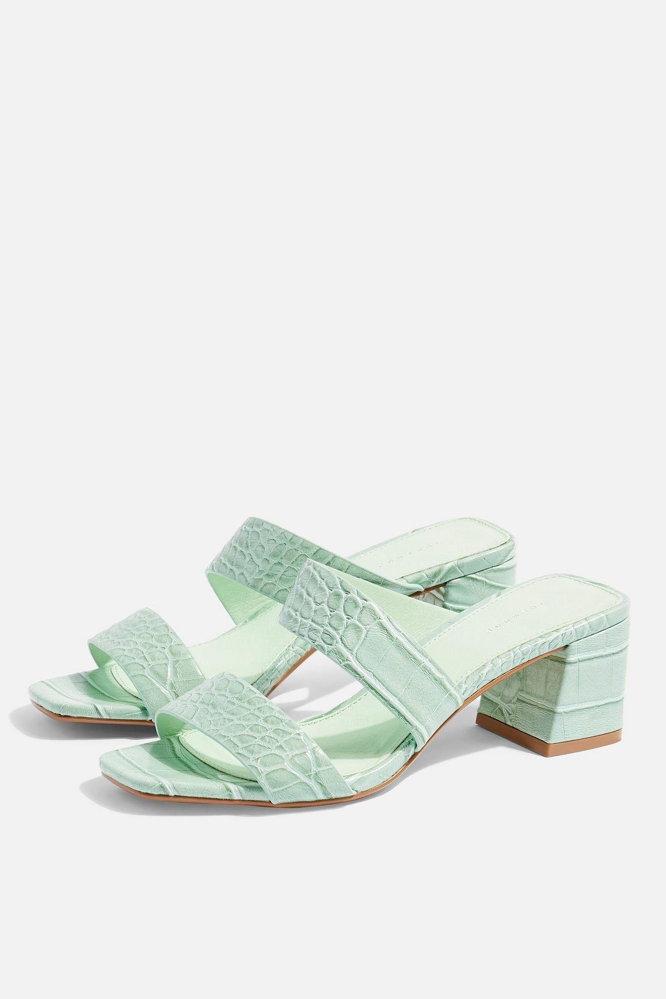 144ccb394ae Shoe Addicted: 10 καλοκαιρινά παπούτσια μέχρι €30 που αξίζει να ...