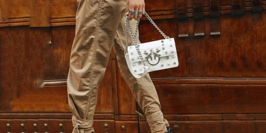 Η νικήτρια που κερδίζει τη rock-glam τσάντα της Pinko αξίας €410 Κάντε κλικ εδώ για να δείτε αν κερδίσατε την Love bag της Pinko.
