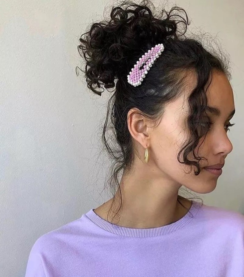 Διστάζεις να φορέσεις hair accessories; 7 tips για looks με άποψη - εικόνα 1