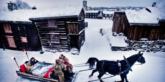 Γιατί ένα ταξίδι στη Νορβηγία θα σου μείνει αξέχαστο; Βάλτε σε μια βαλίτσα τα πιο ζεστά σας ρούχα και ελάτε να συναντήσουμε τον χειμώνα στα καλύτερά του.