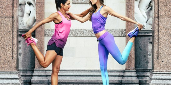 Και όμως η yoga μπορεί να αυξήσει τις επιδόσεις σου και στο τρέξιμο #ELLERUN Λίγο πριν φορέσουμε τα αθλητικά μας και τρέξουμε και εμείς στον πρώτο αγώνα δρόμου του ELLE στις 19 Σεπτεμβρίου, συναντήσαμε τον yoga instructor Μιχάλη Ντουμπάκη και μάθαμε πώς θα προστατεύσουμε το σώμα μας και θα βάλλουμε το τρέξιμο στη ζωή μας.