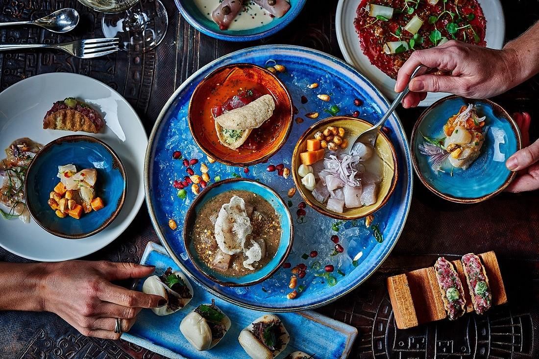 Η ωραιότερη αυλή της Μυκόνου με latin-american γεύσεις