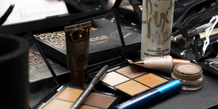 5 έξυπνα τρικ μακιγιάζ που μάθαμε από το Pinterest Θα αναβαθμίσουν σίγουρα τη beauty ρουτίνα σου.