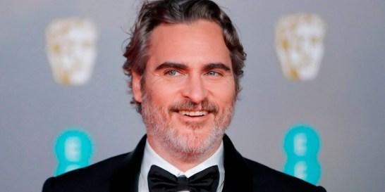 Πληρώνουν όσο όσο τον Joaquin Phoenix για έναν ακόμα Joker Σημείωσε ρεκόρ εισιτηρίων, αρίστευσε στις κριτικές και χάρισε στον ηθοποιό το Όσκαρ του Α' ανδρικού ρόλου. Λογικό είναι να θέλουν όλοι να το επαναλάβουν, έτσι δεν είναι