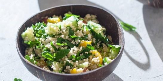 Τι τρώνε για μεσημεριανό 9 Έλληνες διατροφολόγοι; Τα υγιεινά γεύματα που επιλέγουν οι ειδικοί και πλέον και εμείς.