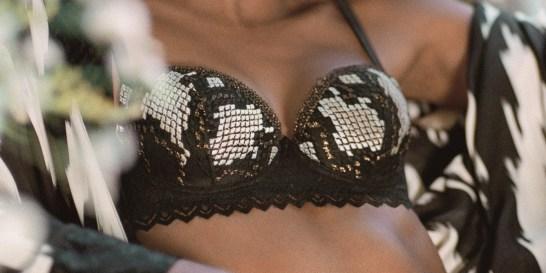 Αγάπησε το σώμα σου: Αυτό είναι το μόνο μήνυμα που έχει σημασία Μόνο αν αποδεχτείς το σώμα σου, θα νιώσεις πραγματικά θηλυκή. Η νέα καμπάνια της Intimissimi βάζει σε προτεραιότητα τη γυναικεία ενδυνάμωση.