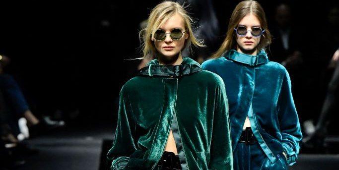 Βελούδινο παντελόνι: Πώς παρουσιάστηκε στις πασαρέλες του χειμώνα;