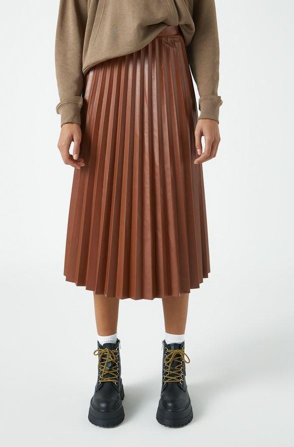 Δερμάτινη φούστα, Pull & Bear.