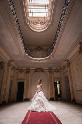 styled shoot in verlassenem Schloss