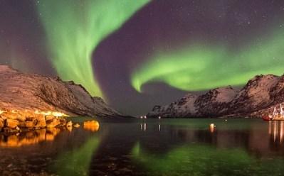 aurora-borealis-1146039_640