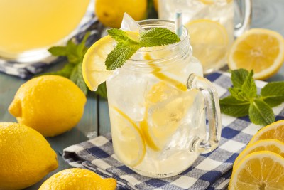 Homemade Refreshing Yellow Lemonade