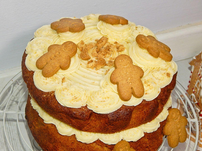 Gingerbread Cake Recipe   BLOGMAS, Day 9!