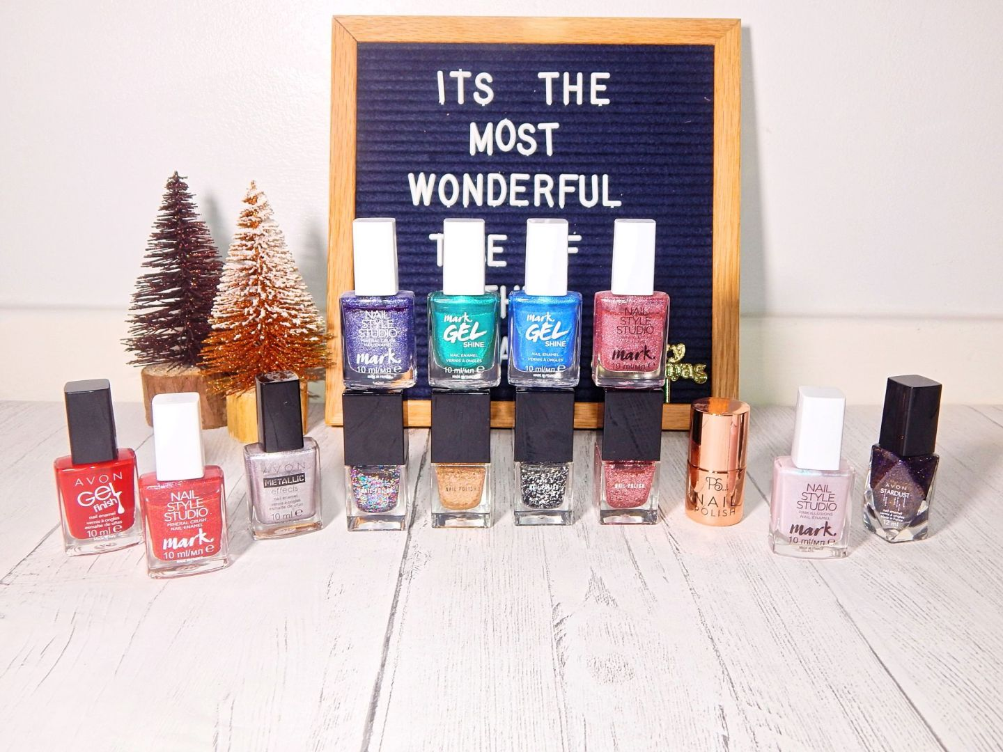 'Must Have' Nail Varnishes For Christmas | BLOGMAS, Day 8!