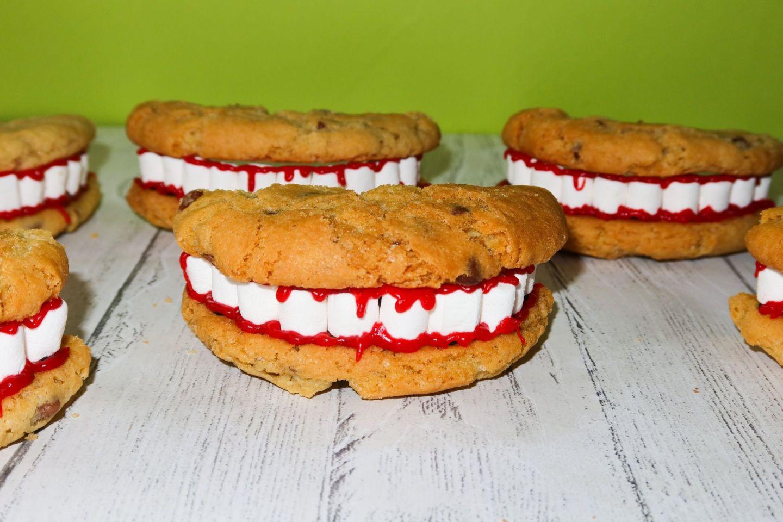 Creepy Smile Cookie Recipe | Halloween Bakes!