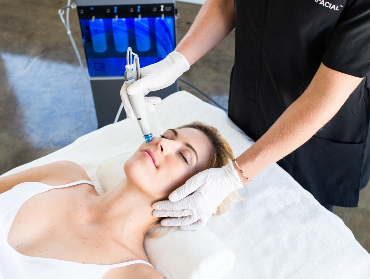 Ellemes Medical Spa Atlanta Hydrafacial treatment