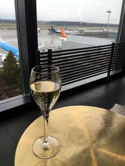 Geneva airport restaurant Le Chef champagne tarmac