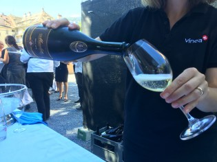 VIPs get to start with Maurer sparkling wine