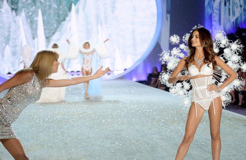 Victoria-Secret-Fashion-Show-2013-Pictures (32)
