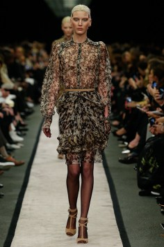 givenchy-rtw-fw2014-runway-01_151559203954