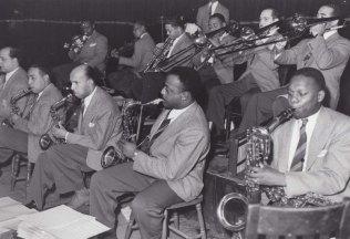 Duke in Fargo - Saxes and trombones