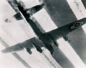 Heavy con trails 100th bomb group Dec. 1945