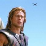 Η φωτογραφία με το αεροπλάνο στην ταινία Τροία. Αληθινή ή ψεύτικη;
