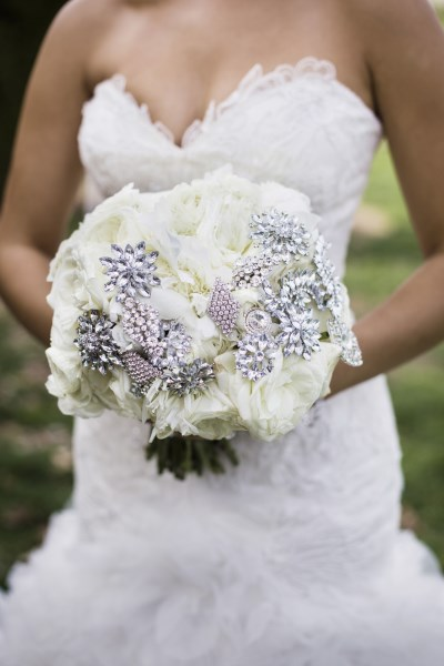 brides bouquet, bling