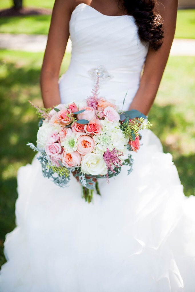 bride's bouquet, pink and white
