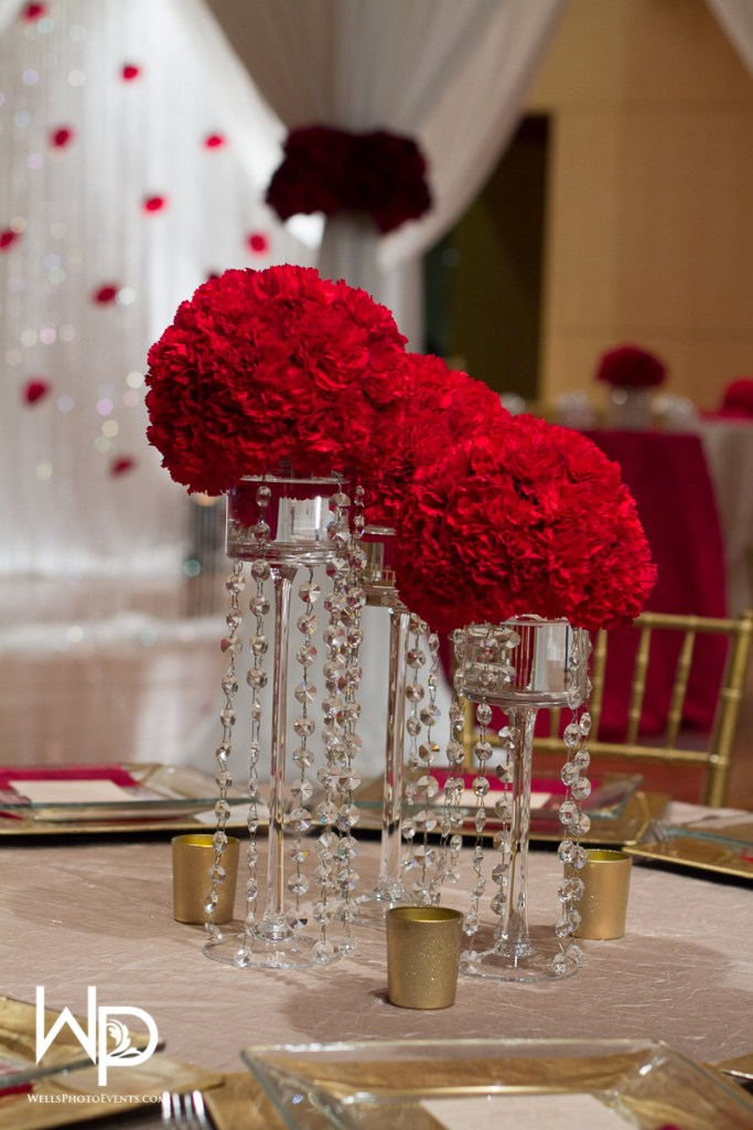 modern decor, red flowers