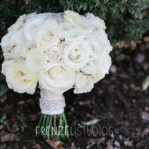 white bride's bouquet, bling ribbon