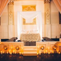 sweetheart table, memphis wedding planner