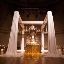 wedding cake, chandelier