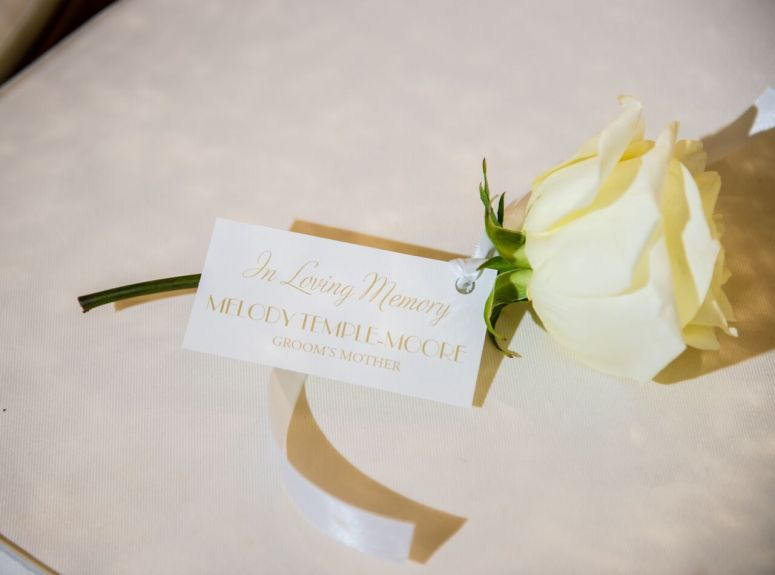 rose, white, memphis wedding planner