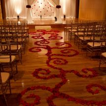 aisle petal design, chuppah, roses