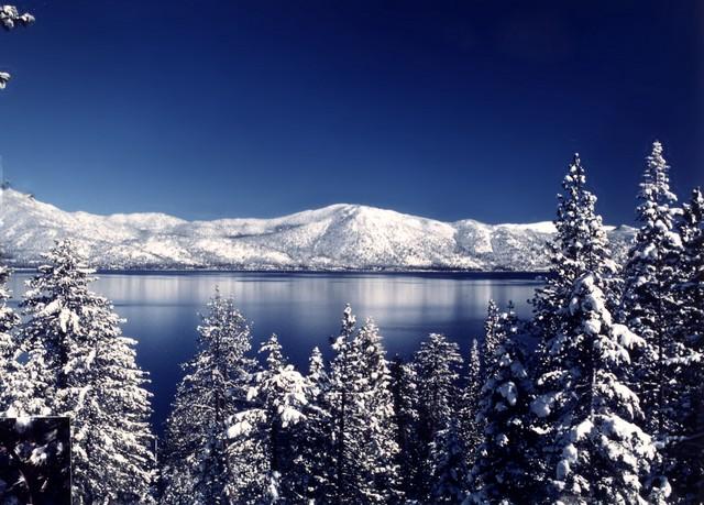 143_tahoe_snow_mountainssized1