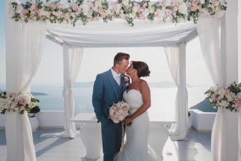 ellwed BenWyattPhotography-64 Blush and Gold Luxury Chic Santorini Wedding