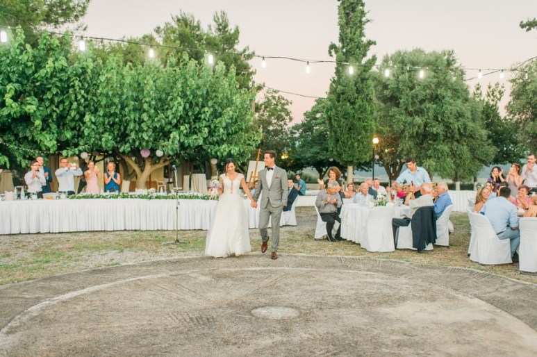 ellwed Anna_Matthieu_mirror_a47_low Colorful Country Wedding in the Greek Village of Elateia