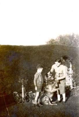 angus-and-ila-with-barney