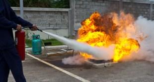 إرشادات هامة عند إطفاء الحرائق