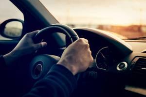 يجب اتباع قواعد الأمن والسلامة عند قيادة السيارة