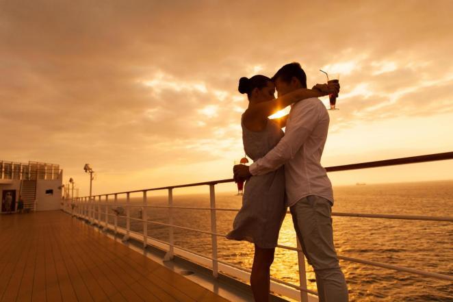 Resultado de imagen para couple in a cruise