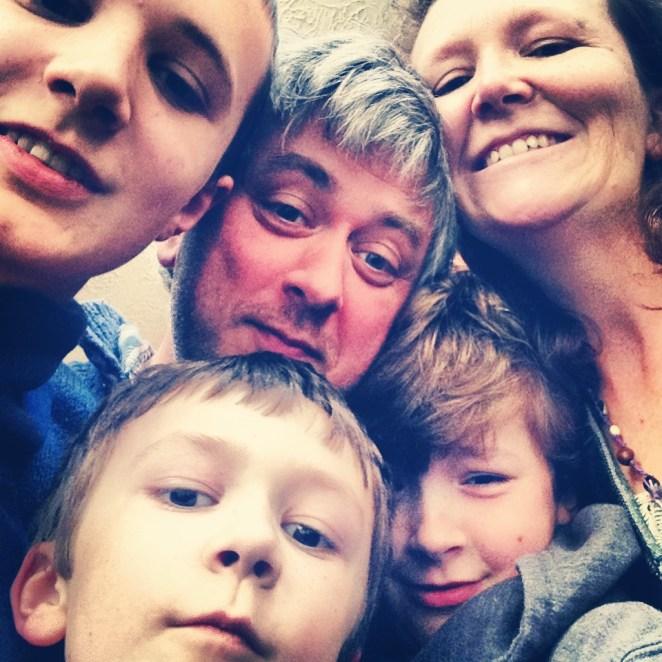 Resultado de imagen para family selfie