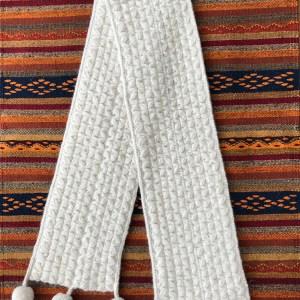 Chola Manta scarf pompoms