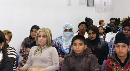 Manises explica a inmigrantes cómo obtener la tarjeta sanitaria